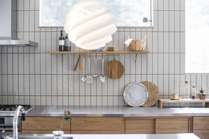 好きなモノを飾って楽しむキッチン空間